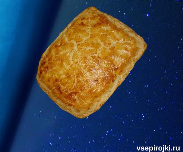 слоеный пирог скумбрия фото