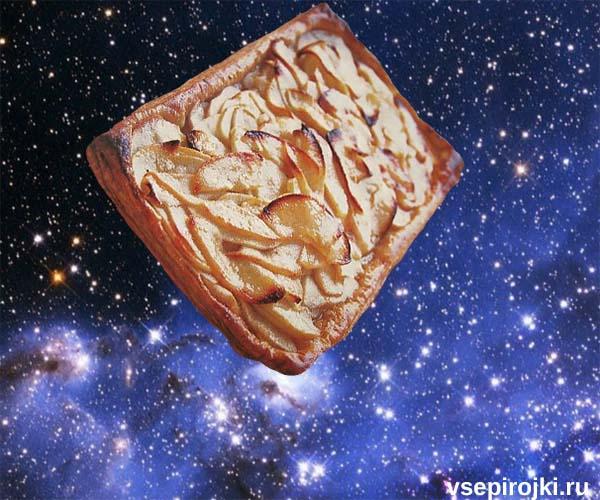 слоеный пирог яблоки с корицей фото