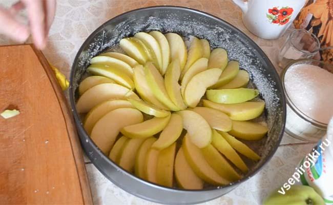 Шарлотка с яблоками приготовление