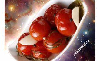 маринованные красные помидоры